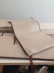 Мягкие подушки для садовой мебели