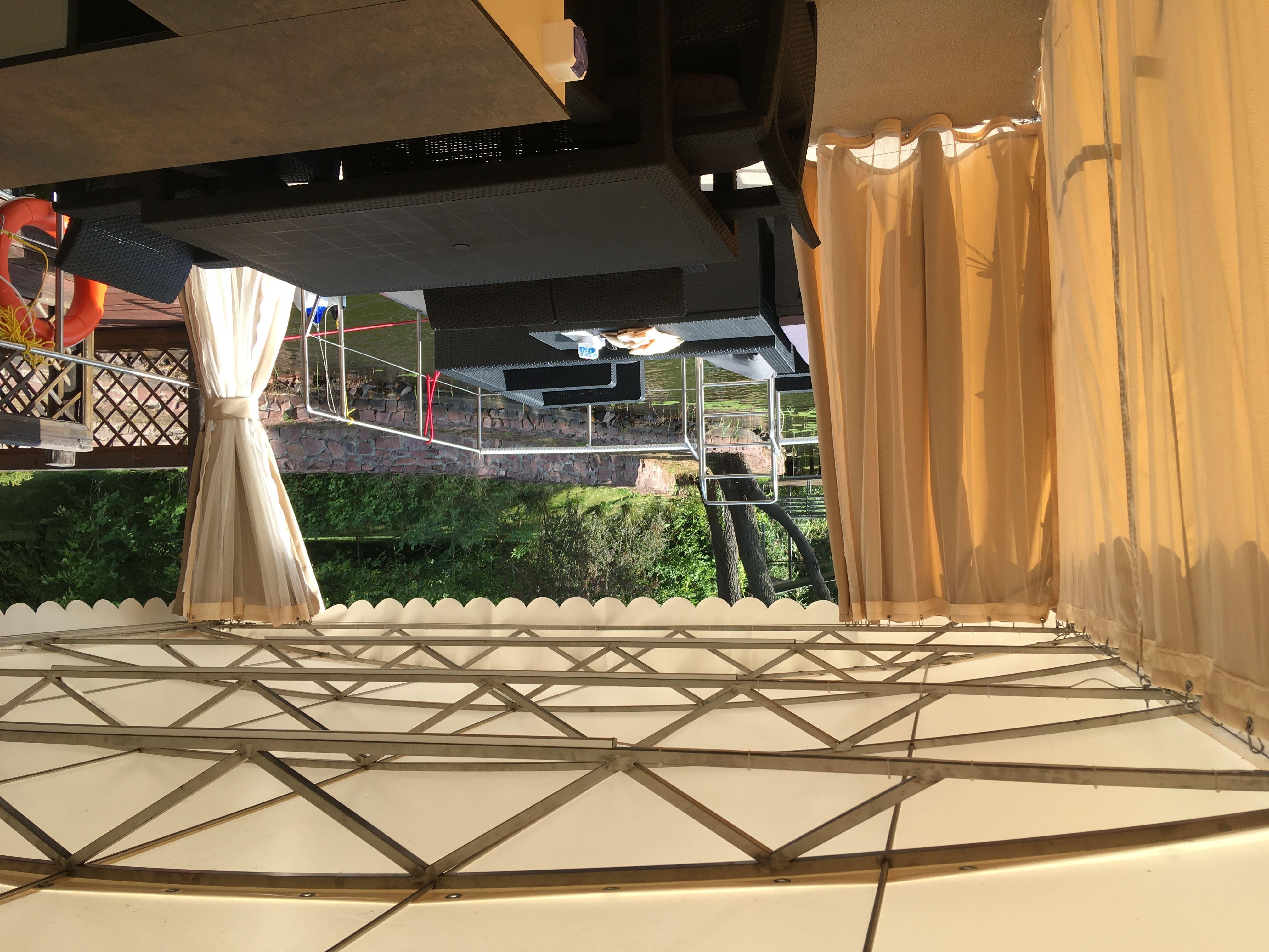 Два комплекта штор: защитные и москитная сетка с полностью нержавеющей фурнитурой